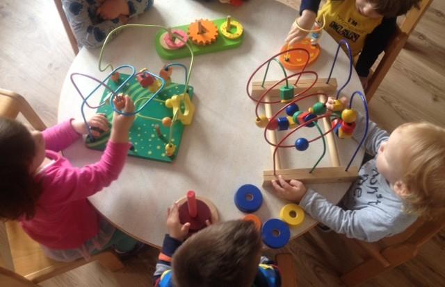 Zečići - stolno-manipulativne igre za razvoj koncentracije i logičkog razmišljanja