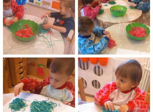 Ribice i Leptirići - taktilno istraživanje teksture kuhane tjestenine u različitim bojama