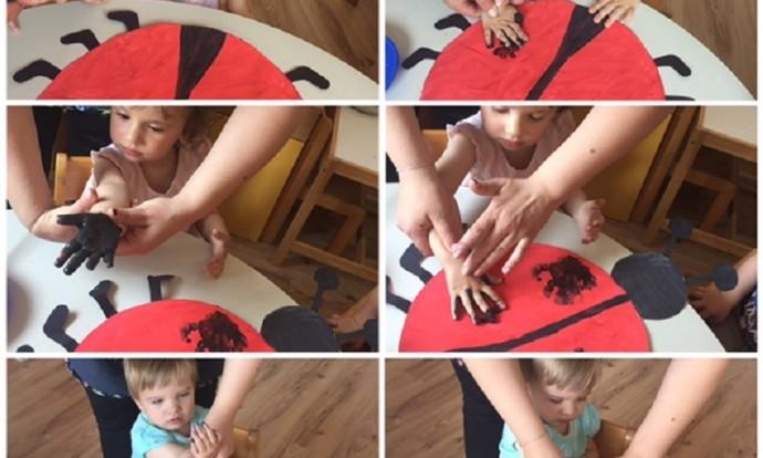 Bubamare - likovna aktivnost-bojanje bubamara od kartona i otiskivanje dlanova crnom i crvenom temperom, razvoj kreativnosti, motorike