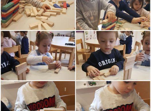 Leptirići - aktivnost građenja u prostoru, poticanje razvoja fine motorike šake i prstiju, preciznosti, pozornosti, poticanje suradnje među djecom