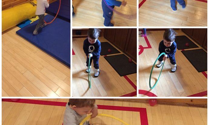 Zečići - vježbanje u dvorani, skakanje na trampolinu, vježbe na strunjači, igra s obručima, razvoj krupne motorike i usvajanje navika vježbanja, poticanje strpljivosti i čekanja na red
