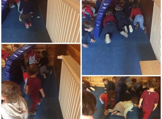 Zečići - tjelovježba u dvorani, provlačenje ispod prepreke, razvoj koncentracije i koordinacije te grube motorike