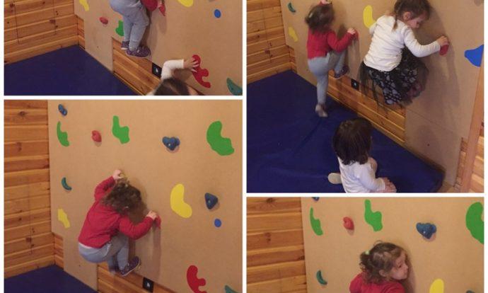 Zečići - tjelovježba u dvorani, penjanje po umjetnoj zidnoj stijeni, razvoj koncentracije i koordinacije te okulomotorike