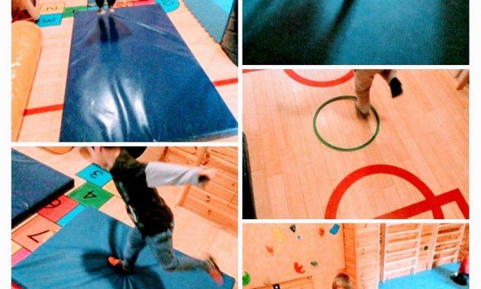 Ribice - tjelesna aktivnost, poligon, kretanje unatrag i skakanje na jednoj nozi, poticanje razvoja koordinacije i ravnoteže pri promjeni smjera kretanja, razvoj gipkosti