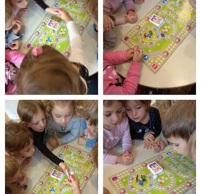 Leptirići - igra društvenih igara, poticanje razvoja zajedništva, spoznaje i matematičkih vještina