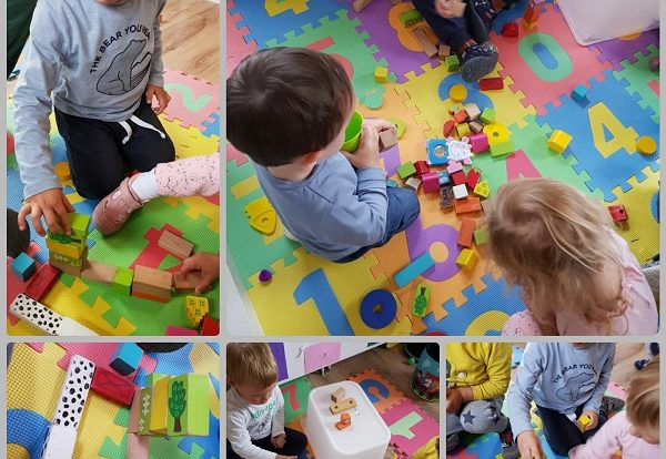 Zečići - simbolička igra građenja nakon priče Tri praščića , poticanje razvoja fine motorike i kreativnosti