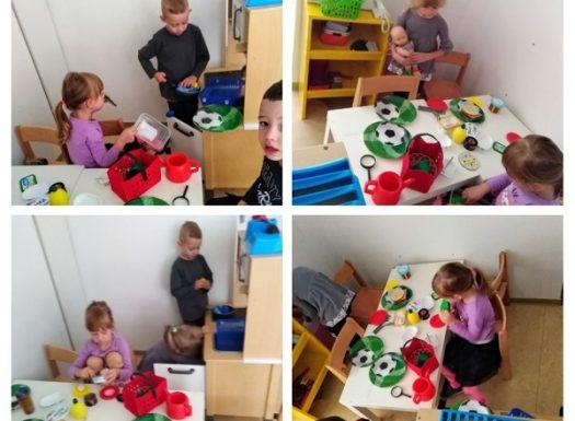 Leptirići - simbolička igra zauzima posebnu važnost u dječjem razvoju,kroz koju dijete prenosi svoja iskustva iz osobnog života